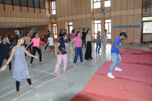 dance training to delhi police community children's