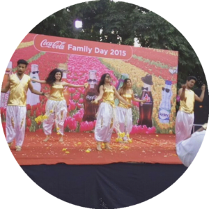 dance groupe at event of coca cola